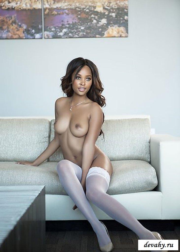 С мулаткой вышла знатная эротика секс фото