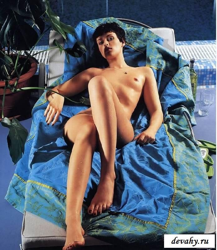 Заманчивые позы обнаженной Марии Семкиной (15 эротичекских картинок)