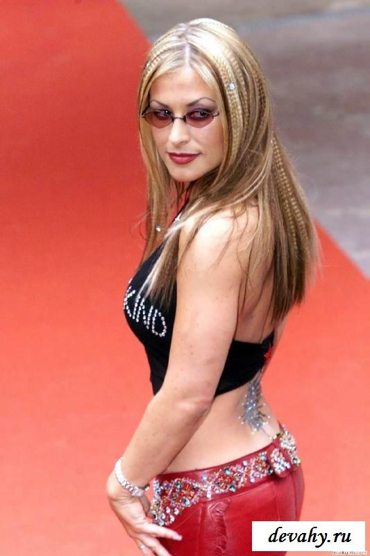 Бритая фигура обнаженной певицы Anastacia (15 фото эротики)