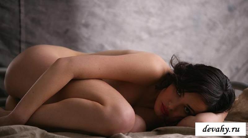 Упругая жопка раздетой  Даши Астафьевой (15 фото эротики)