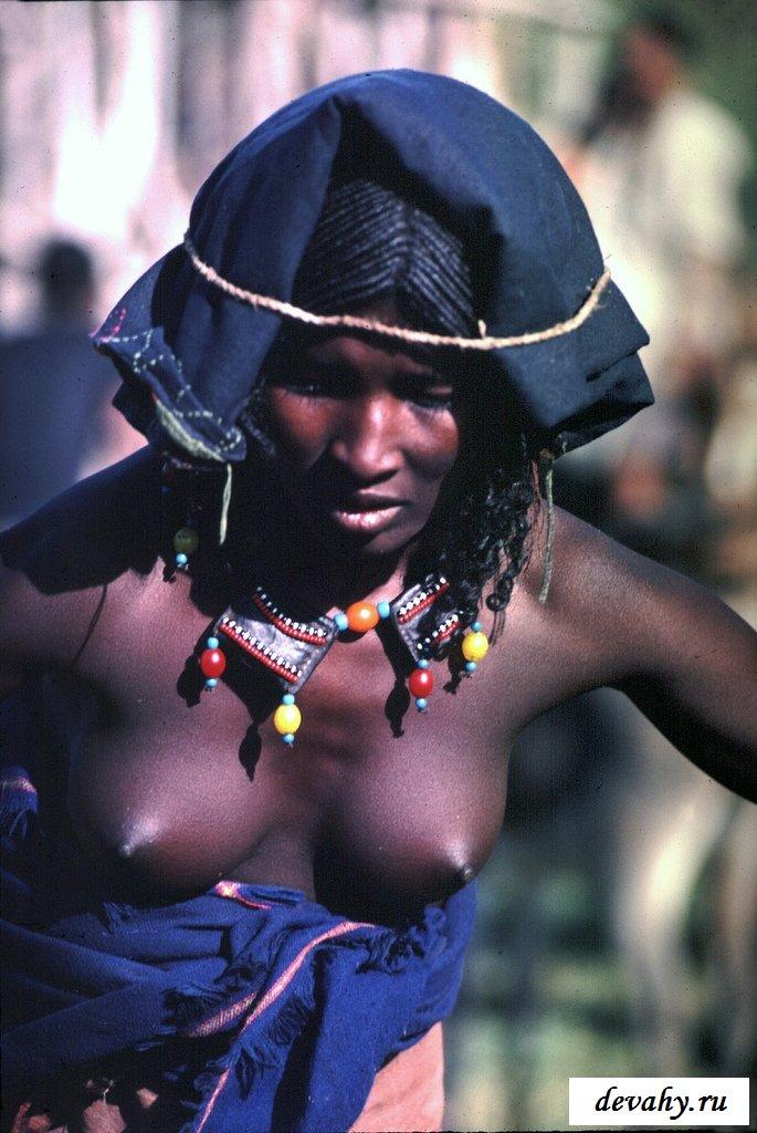 Обнажённые модели из одного племени секс фото