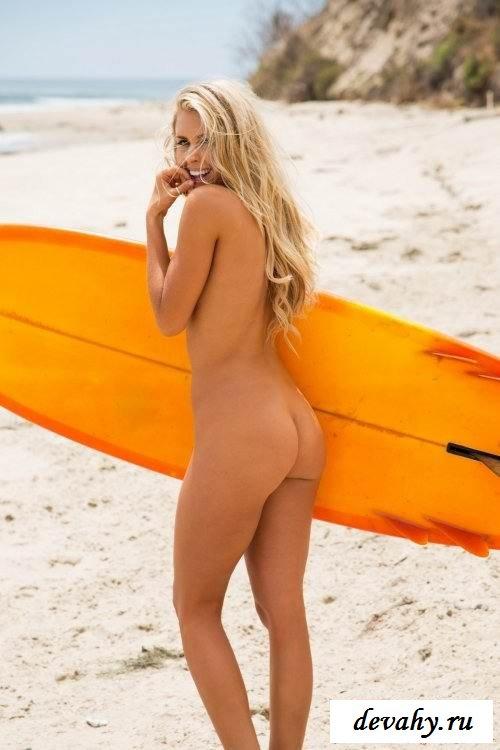 Симпатичная срака голенькой Kayla Rae Reid (16 фоток для взрослых)