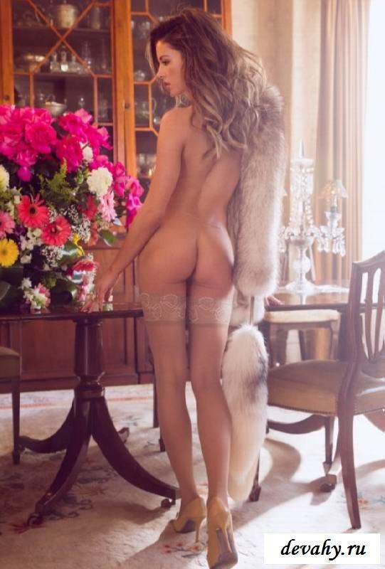 Эротика Brittany Brousseau с вкусной попкой (15 фото эротики)