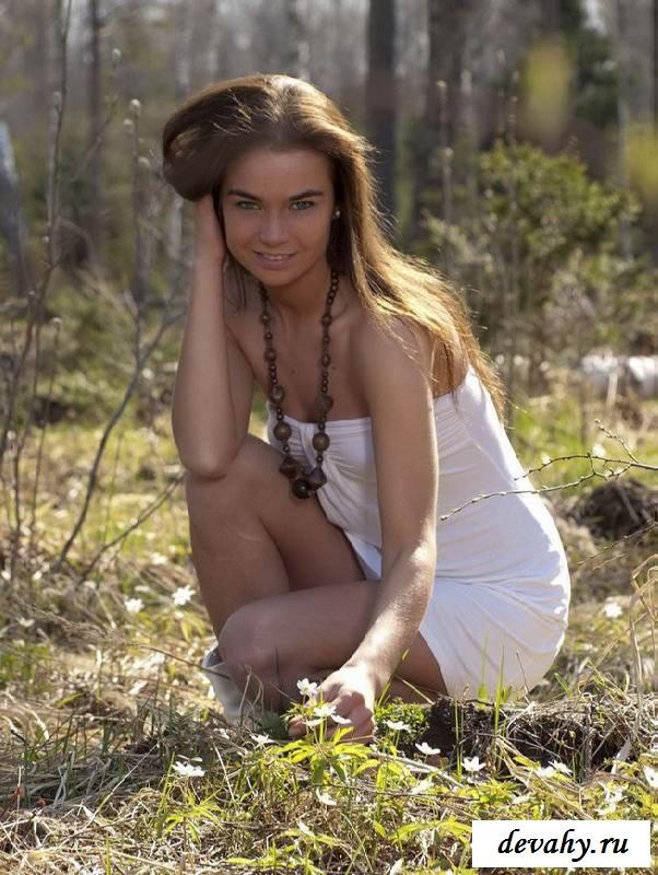 golie-devushki-s-podmishkami-lisie-porno-onlayn-domashnee-na-prirode