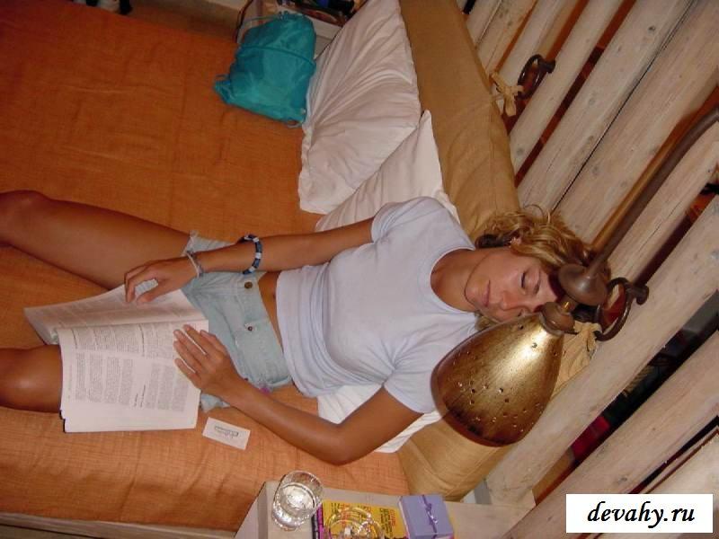 Легкая эротика привлекательной женщины (15 фото эротики)