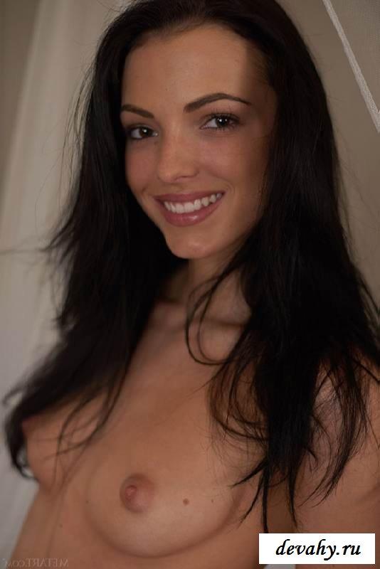 Страстная задница стройной брюнетки (15 фото эротики) секс фото