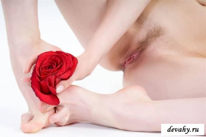 Пылающая страсть  обнаженной девки (эротика)