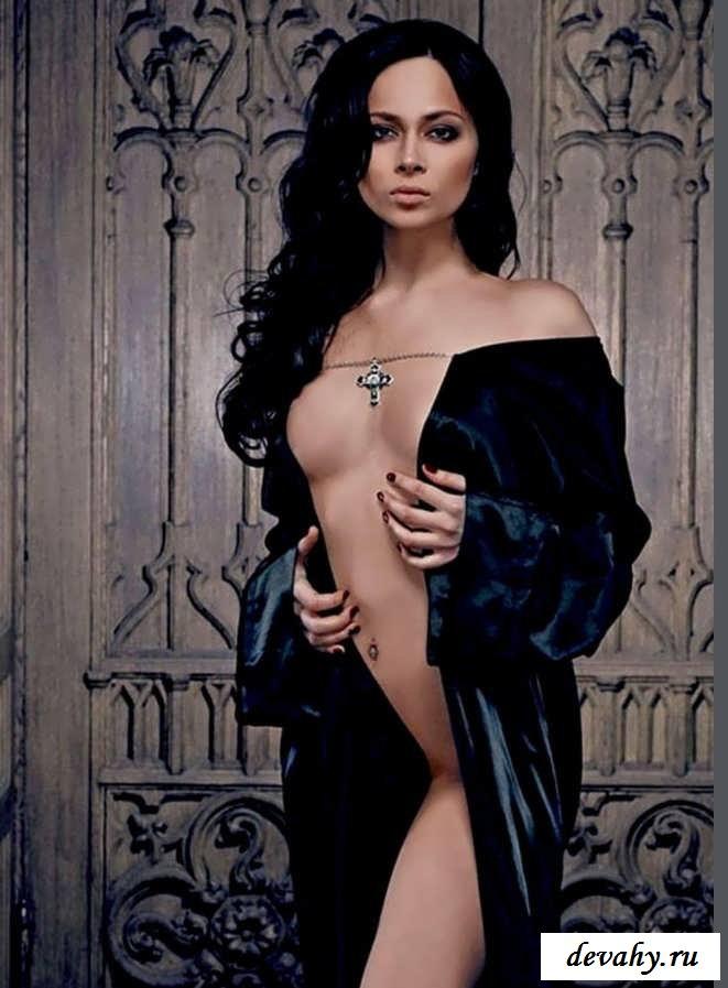 Попка голой Настасьи Самбурской (15 фото знаменитостей)