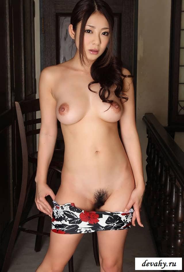 Крупные соски раздетой японочки(15 эротических снимков) секс фото