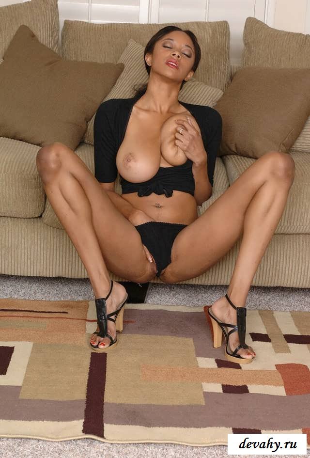 Маленькая задница голой давалки (16 фото эротика мулаток) секс фото