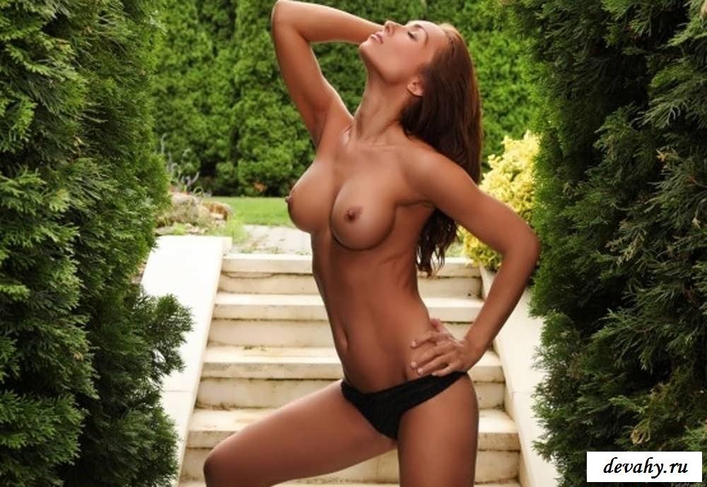 Соблазнительные снимки эротичных девушек   (15 фото эротики)