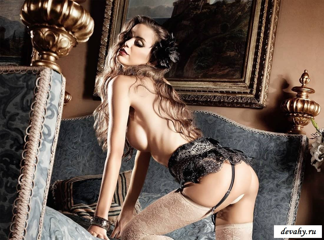 Сексапильные богини в потрясающем белье  (19 эротические фотографии)