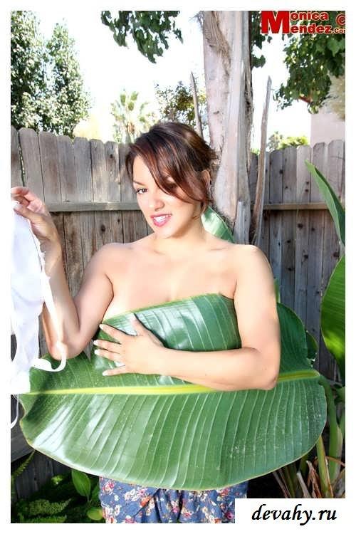 Огромные груди знаменитой Monica Mendez   (15 фото эротики)
