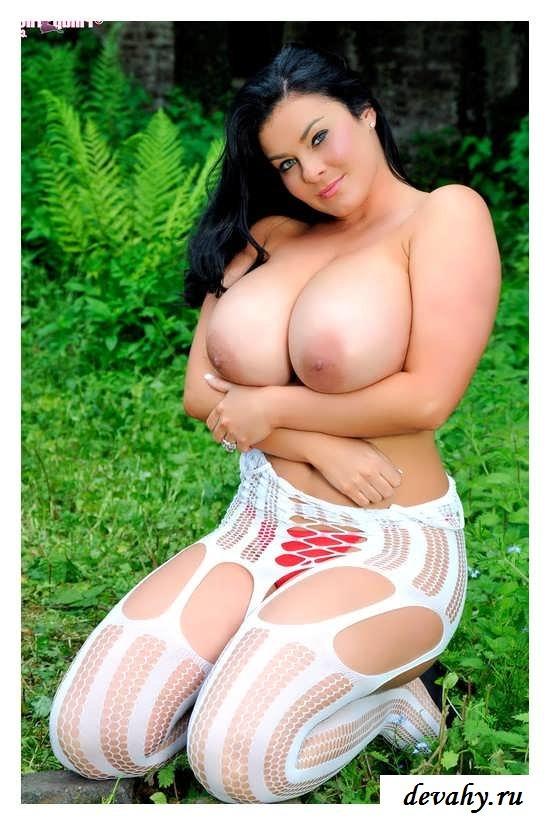 Крупные голые буфера крутых девушек (16 фото эротики) секс фото