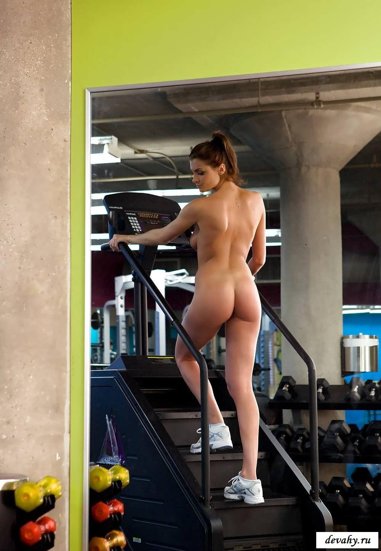 Упругие тела красоток спортсменок   (33 фото эротики)