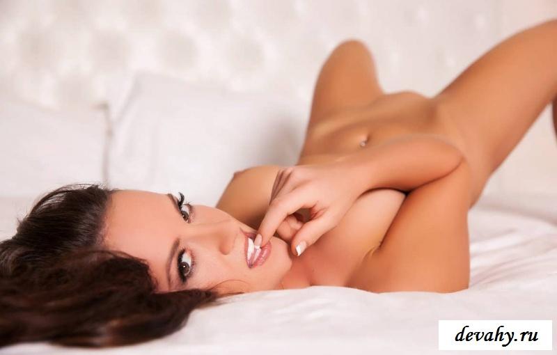 Узкая вагина знаменитой  Krysta Lynn (24 фото эротики) секс фото