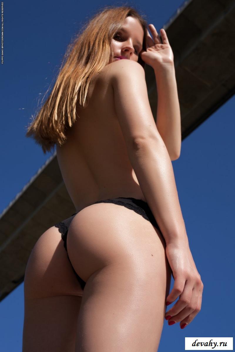 Голая кобыла в несравненной эротике (50 фото) смотреть эротику