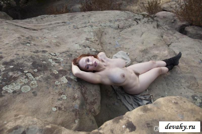Большие груди раздетой бабы