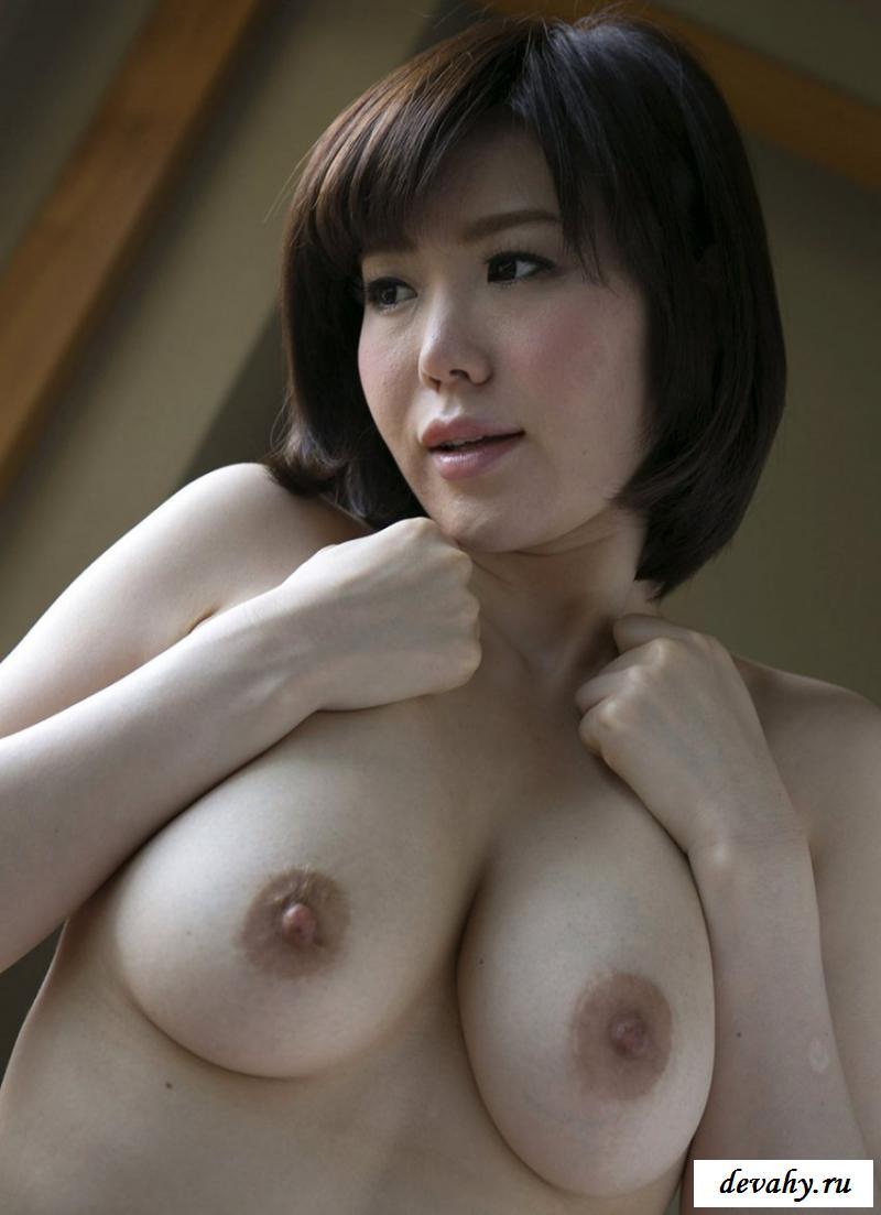 Эротика азиатки с красивыми грудями
