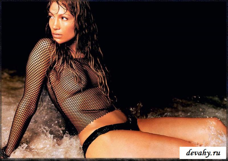 Звезда экранов Дженнифер Лопез показывает тело