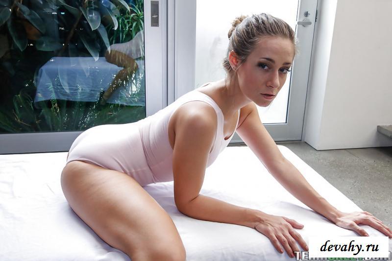 Балетная порнушка с миниатюрными грудями секс фото