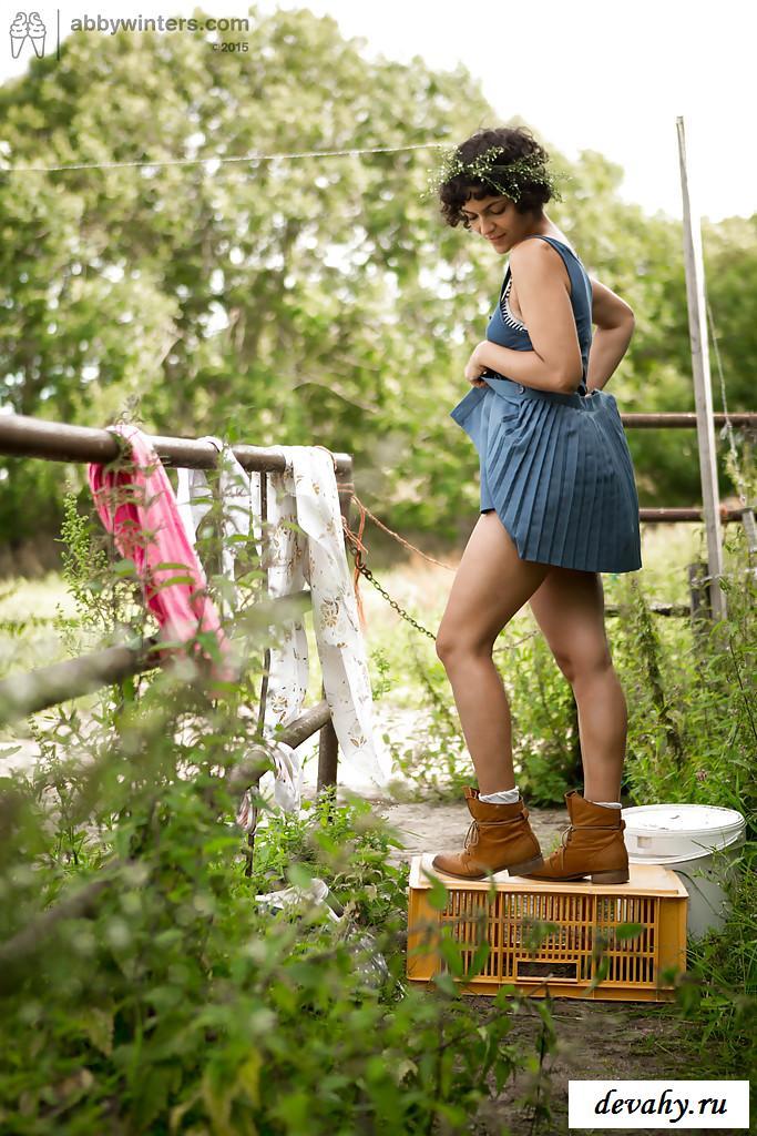 Голые волосатые деревенские девки фото