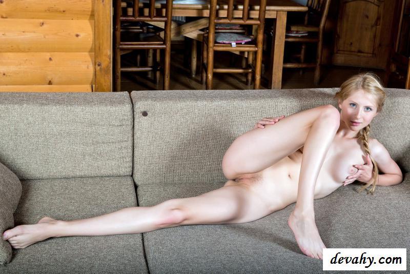 Раздетое тело развратной Daisy Gold из Таллина