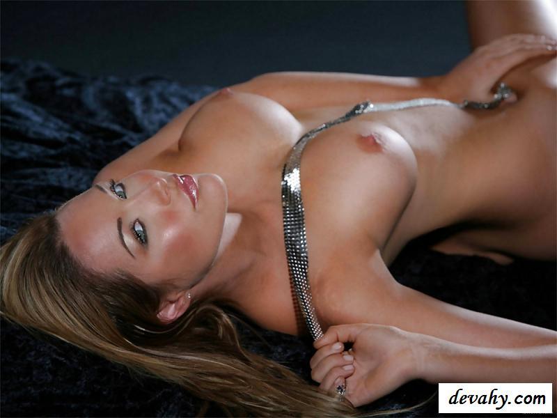 Голая девушка из Австралии с сексуальным телом