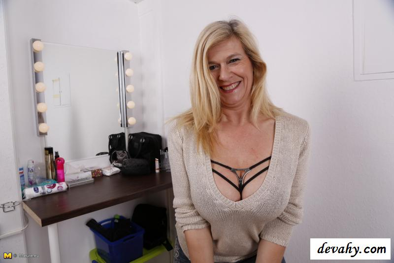 инфа порно с зрелыми тетками и молодыми парнями онлайн извиняюсь, но, по-моему