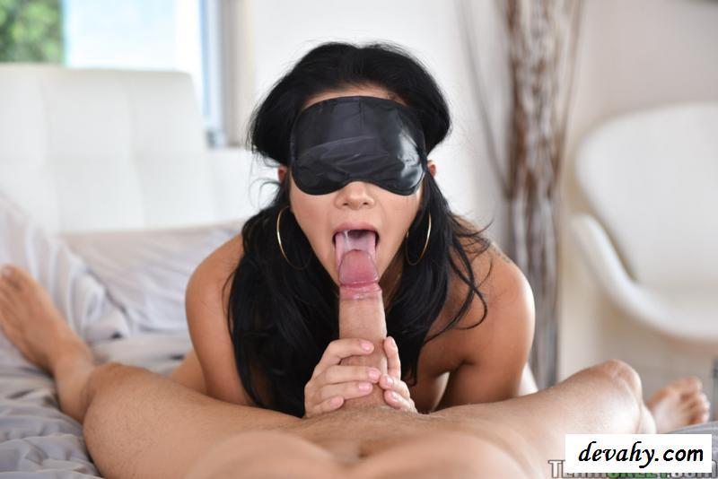 porno-soset-zavyazannimi-glazami-soset-bistro