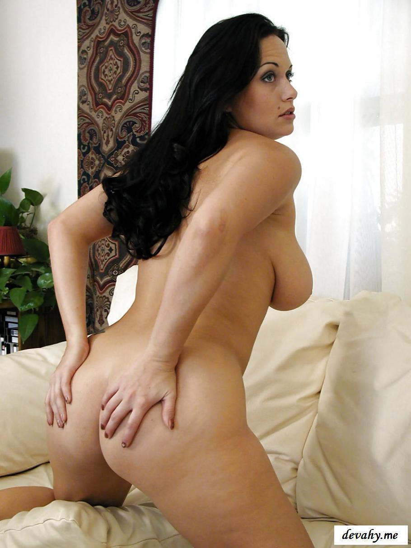 Beautiful Brunette Milf Nude In Public
